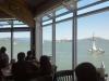 Mittag im Bubba Gump Restaurant am Fisherman\'s Wharf mit Blick auf die Bucht