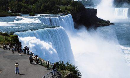 Niagarafälle zwischen den USA und Kanada