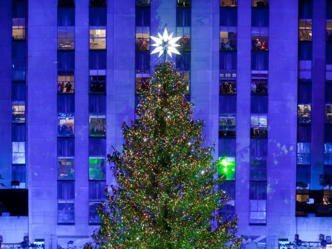 Wann Wird In New York Der Weihnachtsbaum Aufgestellt.Tree Lighting Am Rockefeller Center Live Erleben Fairflight