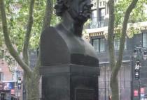 eine Goethe Skulptur im Bryant Park