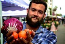 Bauernmarkt mit frischen Lebensmitteln photocredit SMCVB