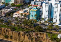Ocean Avenue folgt der Küste photocredit SMCVB
