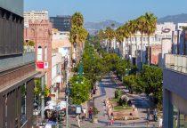 Third Street Promenade mit Geschäften und Restaurants photocredit SMCVB