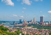 Blick auf Pittsburgh von South Side Slopes