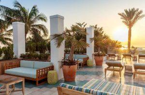 4-Sterne-Hotel in Miami Beach - Terrasse am Meer und am Pool im Marriott Stanton