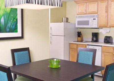 Küche einer One Bedroom Villa im Harborside Resort