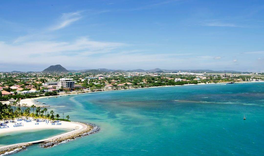 Aruba – weiße Traumstände auf der Karibikinsel