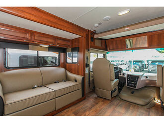 Motorhome A-Luxury A30 Slide-out - Fraserway 3