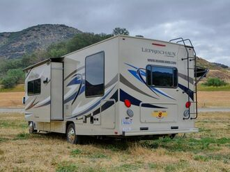 Motorhome C30 Slide-out - Road Bear 2